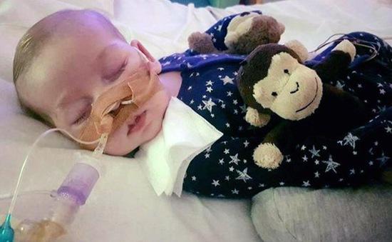 Tranh cãi về cái chết nhân đạo cho cậu bé người Anh bị suy giảm ADN
