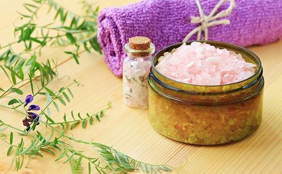 Tác dụng kỳ diệu của muối tắm với sức khoẻ của bạn