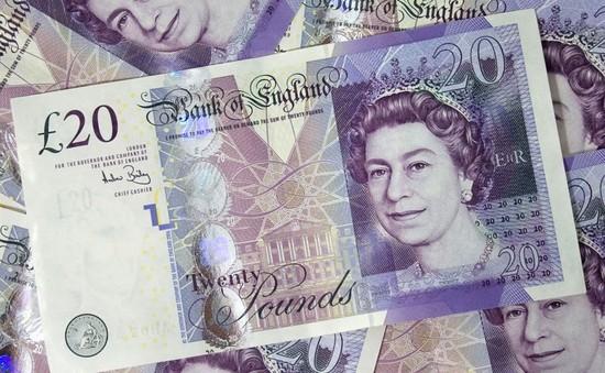 Đồng bảng Anh suy yếu khi cuộc đàm phán Brexit bắt đầu