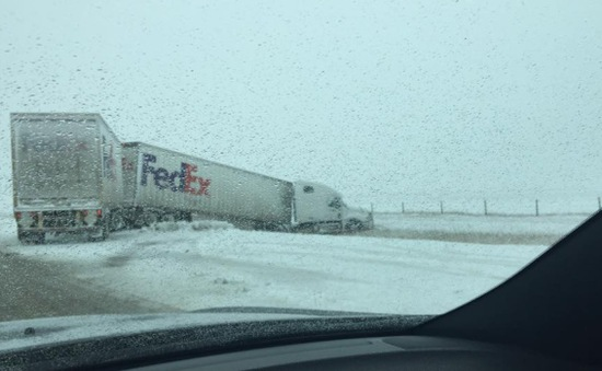 Bão tuyết tiếp tục gây đâm xe liên tiếp trên cao tốc Canada