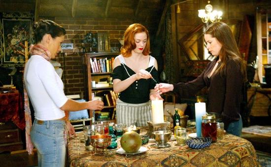 Phim truyền hình Phép thuật trở lại với bộ ba phù thủy mới