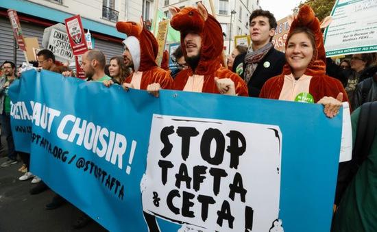 Biểu tình phản đối Hiệp định thương mại EU - Canada tại Pháp