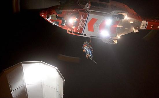 Giải cứu du khách mắc kẹt trên tháp quan sát ở Anh