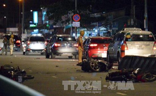 TP.HCM: Ô tô gây tai nạn liên hoàn khiến nhiều người bị thương