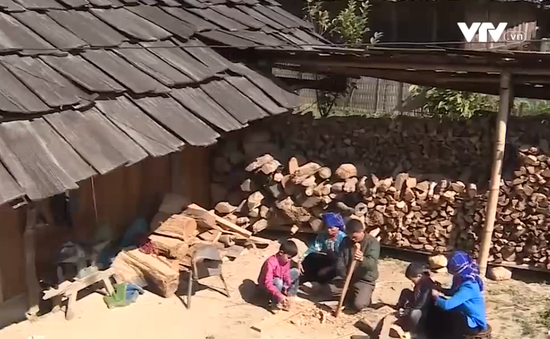 Ngọc Chiến - Xứ sở của những mái nhà gỗ pơ mu