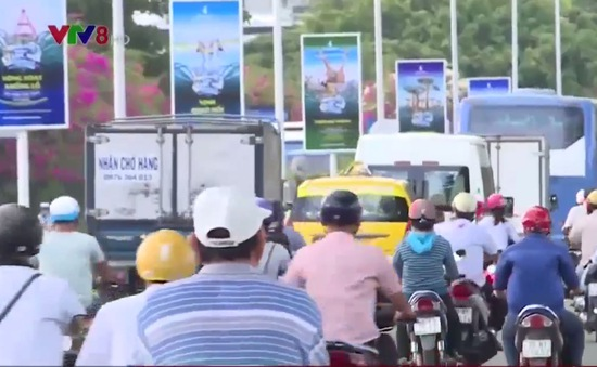 Khánh Hòa sẽ kiến nghị dừng thí điểm Grab Taxi nếu còn hoạt động trái phép