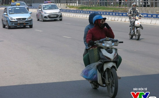 Hà Nội cấm xe máy, thu thêm phí ô tô: Phí chồng phí?