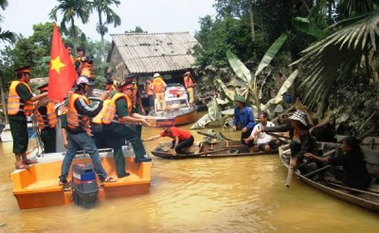 Những chuyến hàng cứu trợ đến với bà con vùng lũ