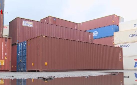 """TP.HCM: Hàng ùn ứ ở cảng vì quy định """"cửa nhập khẩu"""" chưa rõ ràng"""