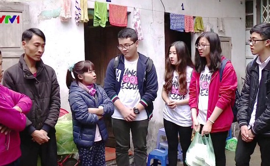 """""""Biệt đội giải cứu thức ăn"""" tại Hà Nội"""