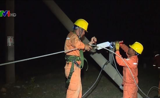 Khôi phục xong hệ thống lưới điện bị ảnh hưởng do bão số 10