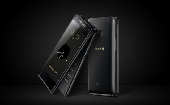 """Samsung chính thức ra mắt smartphone """"đồ cổ"""""""