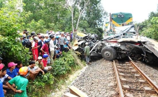Khởi tố nhân viên gác chắn vụ tàu hỏa tông xe tải làm 2 người chết