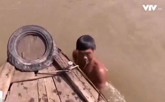 """""""Hiệp sĩ Ngã Bảy"""" hàng chục năm cứu người tai nạn đường thủy"""
