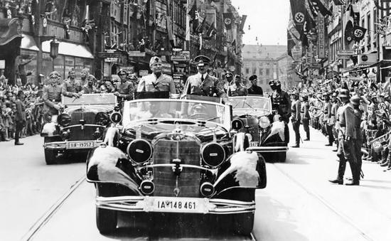 Bán đấu giá xe của trùm Phát xít Hitler