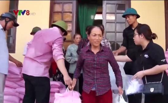 Quảng Bình: Nhiều suất quà hỗ trợ đến với người dân vùng tâm bão