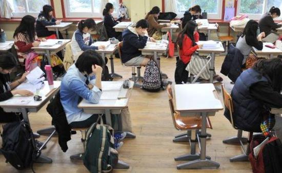 Áp lực học hành khủng khiếp trên vai học sinh Hàn Quốc