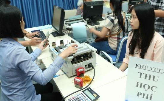 Hà Nội đẩy mạnh việc dùng thẻ học đường để đóng học phí thay tiền mặt
