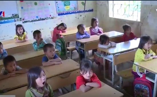 Nhiều khó khăn ngày trở lại trường của trẻ em vùng cao Thanh Hóa
