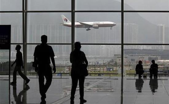 Hàng trăm chuyến bay tại Hong Kong (Trung Quốc) bị hoãn, hủy do bão Merbok