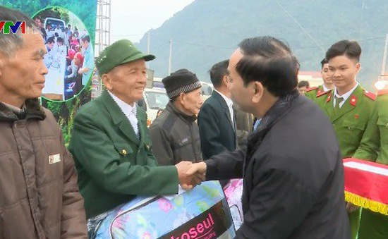 Hỗ trợ hộ nghèo vùng chiến khu Định Hóa, Thái Nguyên