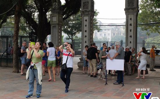 Tháo gỡ điểm nghẽn trong chính sách miễn thị thực tạo đột phá cho ngành du lịch