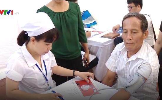 Khám sàng lọc bệnh tăng huyết áp, tim mạch chuyển hóa tại Khánh Hòa