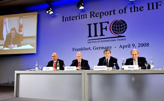 Viện Tài chính quốc tế (IIF): Nợ thế giới tăng cao kỷ lục