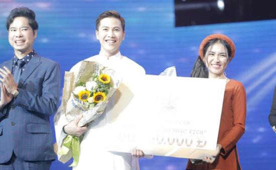 Cặp đôi hoàn hảo: Hòa Minzy siêu đanh đá, giành chiến thắng cùng Mai Tiến Dũng