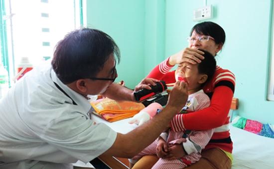 Bệnh tay chân miệng tăng trên 60% ở Khánh Hòa