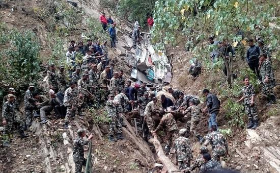 Nepal: Xe khách lao xuống vực sâu, 22 người thiệt mạng
