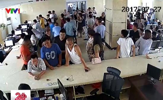 Đến đồn cảnh sát nộp phạt, đối tượng cướp vô tình bị phát hiện