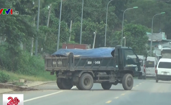 Mục kích con đường vận chuyển đất đá khai thác trái phép ở Đồng Nai
