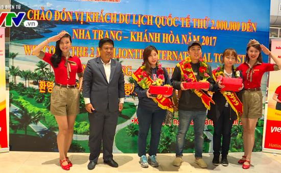 Khánh Hòa đón du khách quốc tế thứ 2 triệu qua Cảng hàng không Cam Ranh