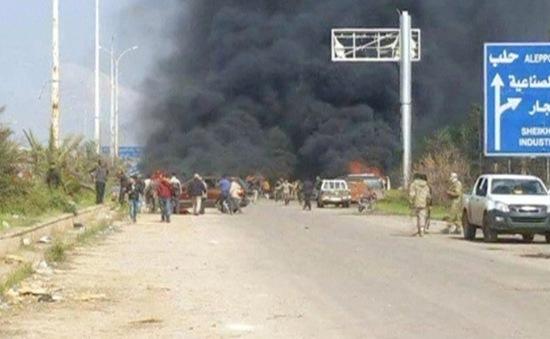 Xe chở người sơ tán ở Syria bị đánh bom, ít nhất 110 người chết
