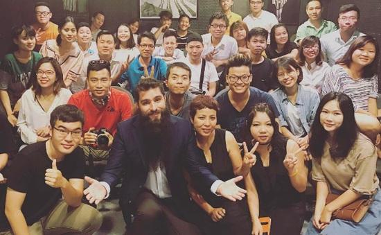 """Đạo diễn """"Kong: Đảo đầu lâu"""" muốn đưa một TV show sang Việt Nam"""