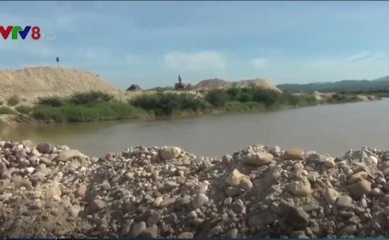 Đắp đập khai thác cát sỏi trái phép, DN bị phạt 40 triệu đồng