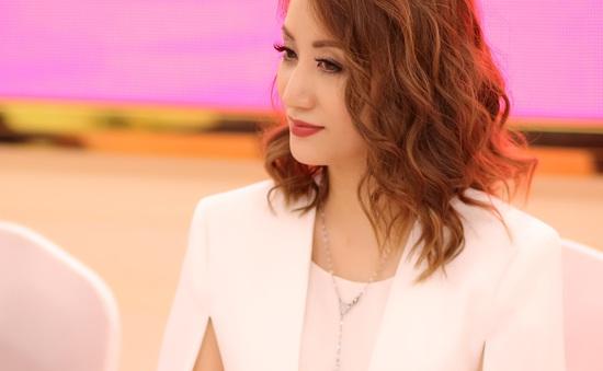 Khánh Thi sẽ cùng chồng trình diễn Dance sport trong trang phục áo dài