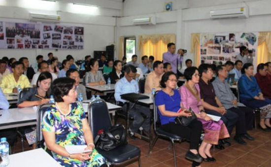 Việt Nam giúp Lào nâng cao nghiệp vụ báo chí