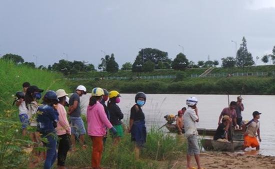Lật thuyền ở Kon Tum, hai cha con tử vong