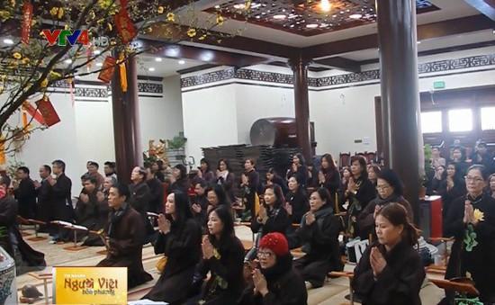 Hình bóng Việt Nam trong những ngôi chùa Việt tại nước ngoài