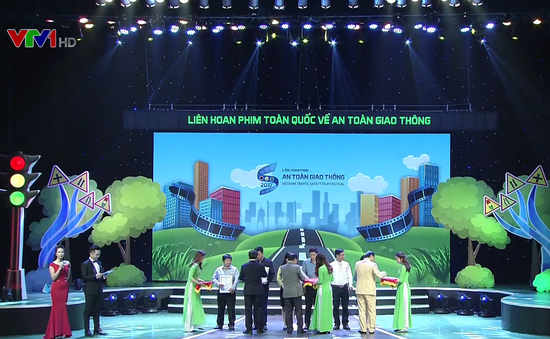 Lễ trao giải Liên hoan phim toàn quốc về An toàn giao thông lần thứ X