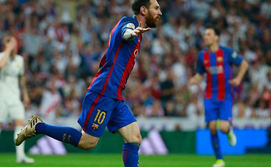 """Messi nhận """"lời có cánh"""" từ bạn thân tại Barca"""