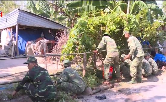 Long An: Bộ đội Biên phòng tích cực giúp đỡ người dân