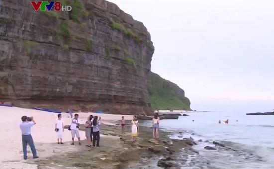 Lý Sơn chú trọng phát triển du lịch gắn với bảo tồn