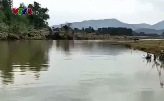 Hà Tĩnh: Tìm kiếm người mất tích trên sông Rào Nổ
