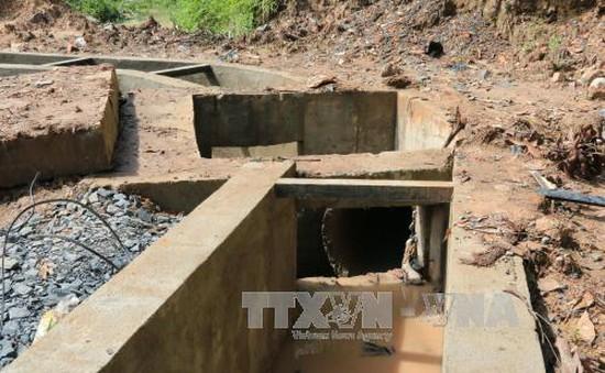 Tìm kiếm học sinh mất tích do rơi xuống cống ở Quảng Trị