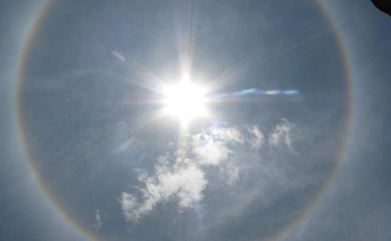 Quầng mặt trời xuất hiện tại nhiều địa phương