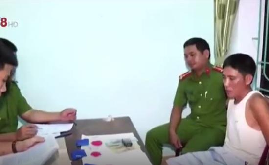 Hà Tĩnh: Bắt đối tượng tàng trữ hơn 400 viên hồng phiến