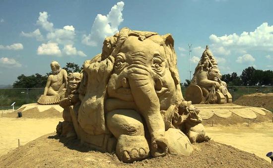 Festival điêu khắc tượng cát tại Bulgaria